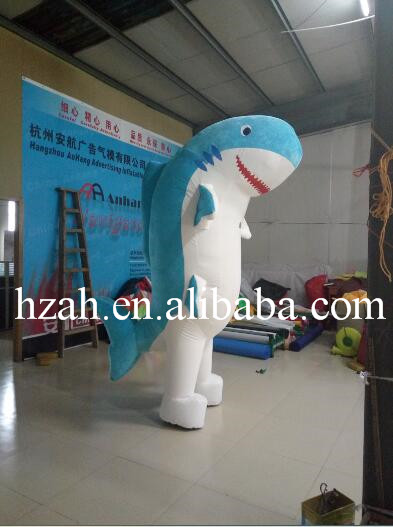 Moving Inflatable Shark For Advertising