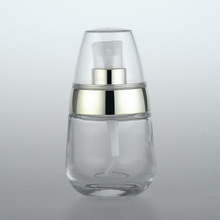 1pcs 30ml glass press bottle bright gold pressure pump Sub-bottle High-grade bottles Little penguin wholesale BQ062