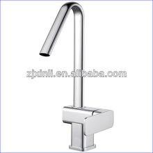 Оптовая продажа – люкс латуни кухонная раковина, Воды, Хромированная отделка, 10 шт./лот, X8232k4