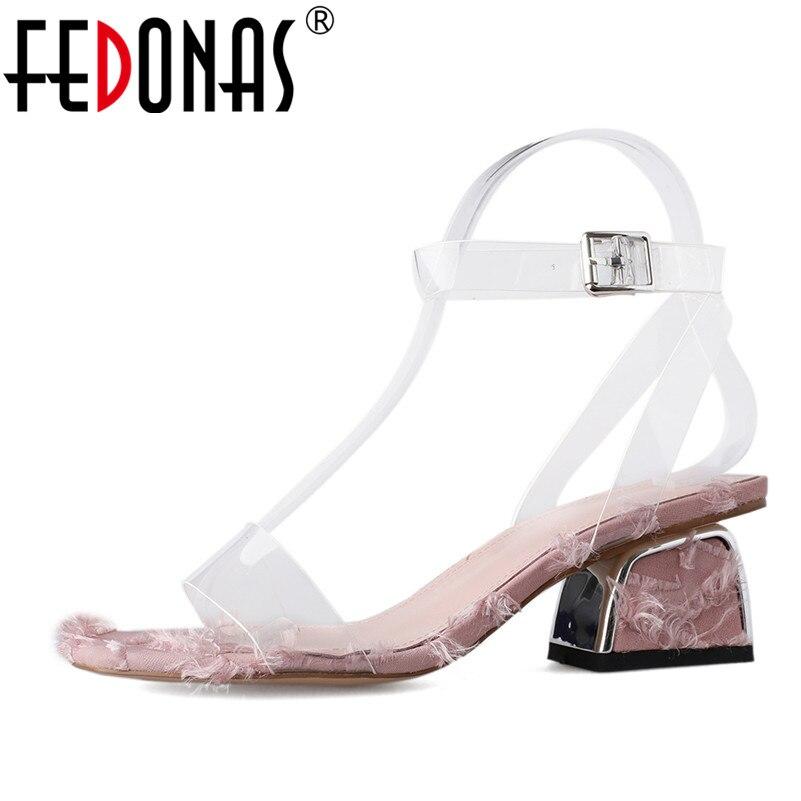 5ac6f1d2af1e5e Chaussures Élégantes Fête Nouvelles Hauts D'été Carré Doux Sandales Rose  Mariage Mode Talons Mules 2019 Femmes ...