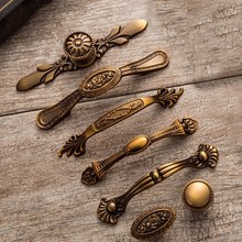 2 PCS Yellow Bronze Door Handles Noble Antique Drawer Pulls Vintage Kitchen Cabinet and Knobs Retro Furniture