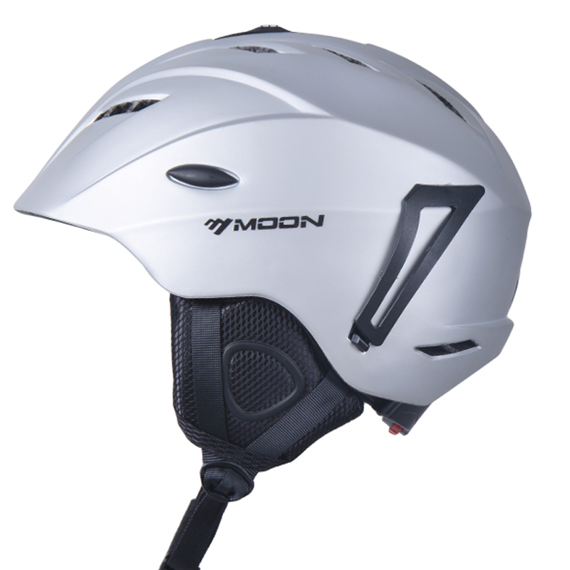 ФОТО MOON Top Quality Skiing Helmet PC+EPS Ultralight Ski Helmet Extreme Sports Snowboard/Skateboard Helmet 368g Size S/M/L/XL
