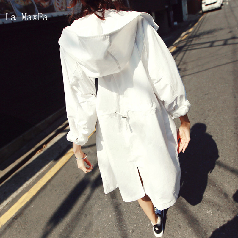 2018 new spring and summer loose loose long sun protection clothing waist large size hooded white windbreaker jacket female
