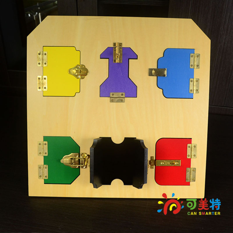 Montessori Education Latch Unlock Board  Beech Wood Daily Life Tools Early educational toys  Can Smarter montessori education 0 10 numbers odevity pedestal beech wood math toys early educational toys free shipping
