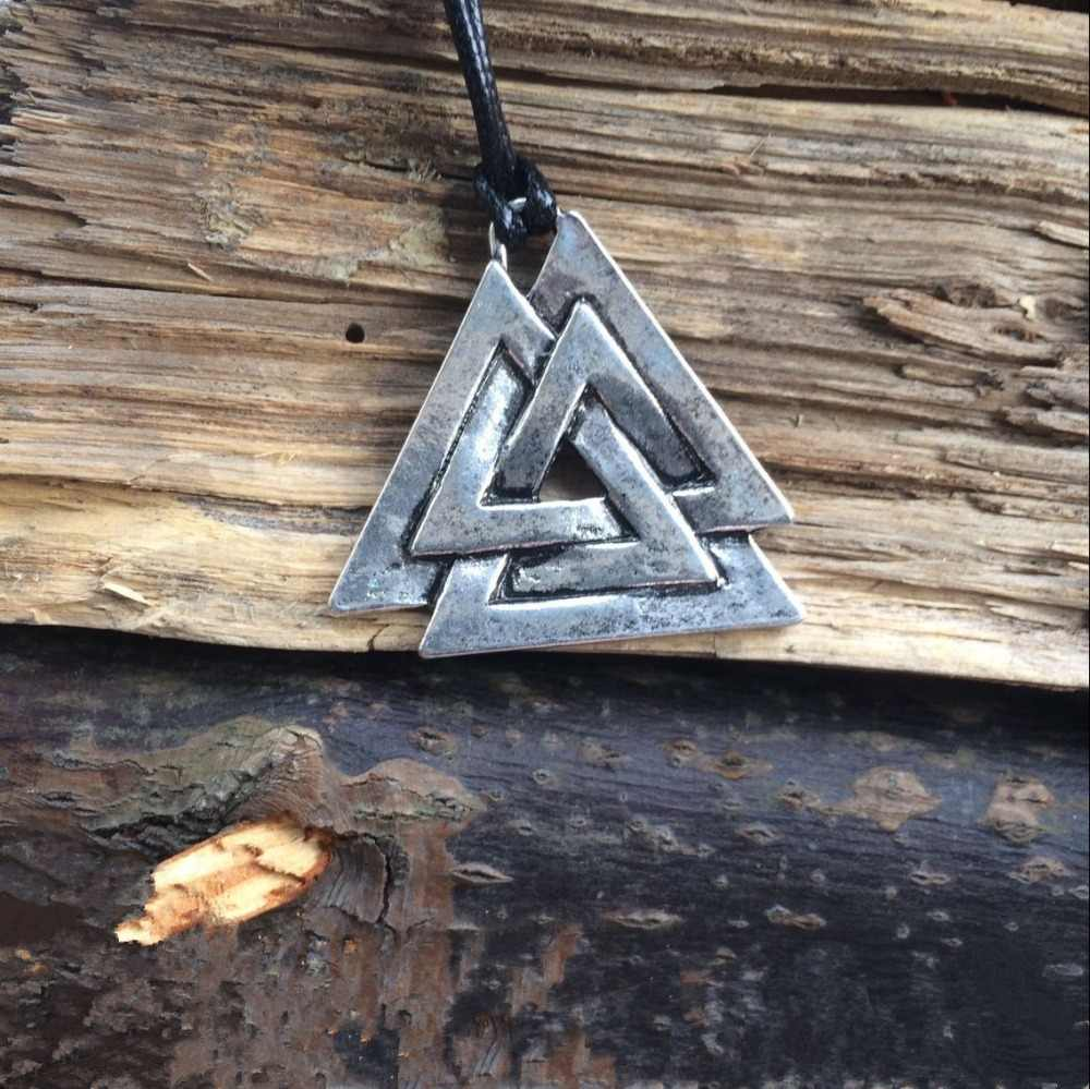 Colar de pingente de amuleto de forma de triângulo nórdico pewter viking de valknut escandinavo