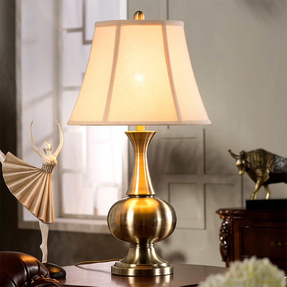 Luxury retro copper table lamp bedroom bedside lamp creative American country living room study large high-end lig