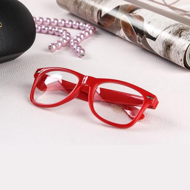 M84 New Fashion Eyeglass Frame Vintage Transparent Glasses Casual Eye Wear Retro  UV400 Plain Lens Optic for Women Girls-in Eyewear Frames from Women s ... 1a5187c953