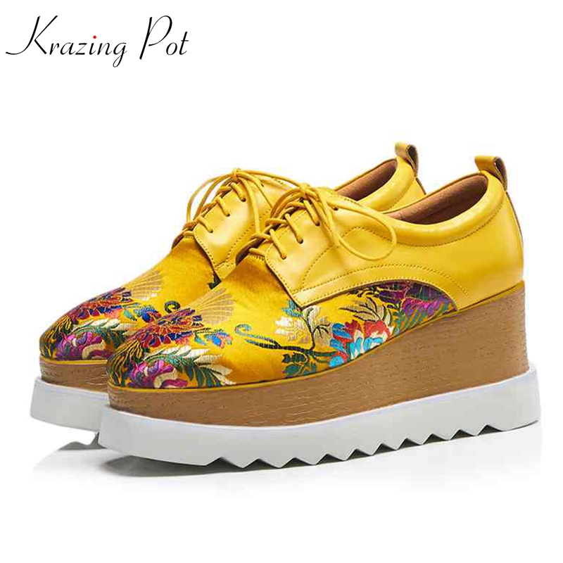Krazing pot 2018 genuine leather square toe flat platform oriental Chinese style embroidery women causal shoes high quality L31