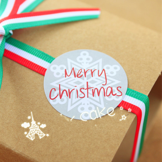 300x Merry Christmas Snowflakes Gift Kraft Sticker Label Seal Envelope Gift Box Soap Wrapping Craft Baking