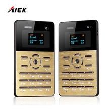 Original aiek q1 quad bande mini ultra mince de carte de poche Cool Enfants Mobile Cellulaire Téléphone MP3 FM Anglais Russe Arabe clavier