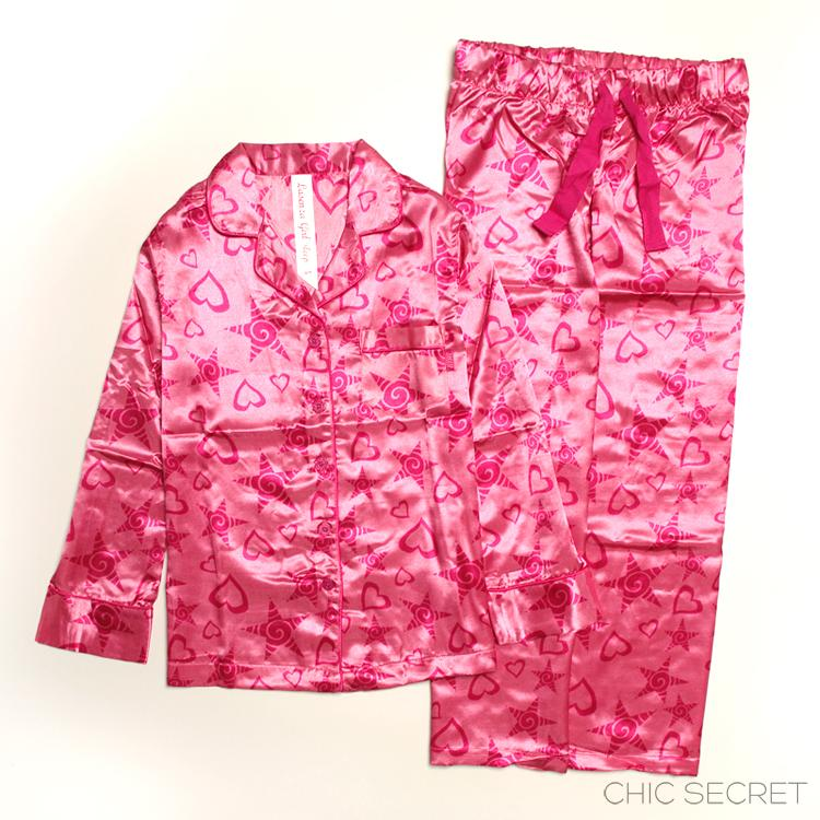 Great selection of pajamas for kids. Different kids sleepwear, flannel, cotton, fleece and silk pajamas kids. For dreamers and little ones, tumblers, and bouncers and constant gigglers, PJs are a way of life.