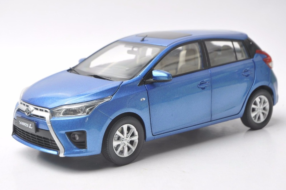 цена на 1:18 Diecast Model for Toyota Yaris L Blue Alloy Toy Car Miniature Collection Gifts