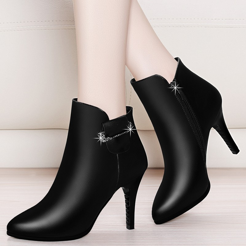 Sexy Shoes Female High Heels Ankle Boots Pointed Toe Thin Heeled Shoes Woman Red Black Genuine Leather Shoes Big Size YG-A0103