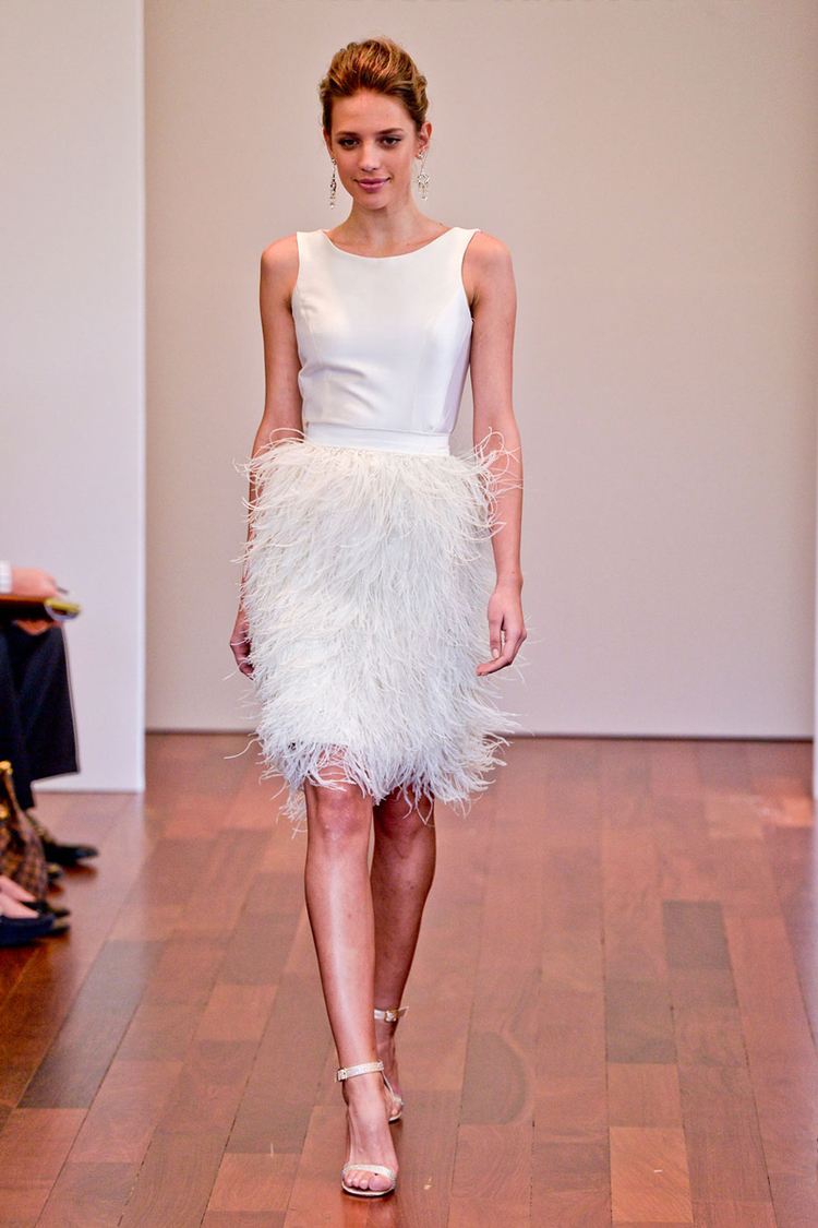 MK N 1 feathered wedding dress Wedding dress with feathers short at the front long at the back Bridal Dresses