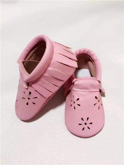 Verano Nueva Calado flor de Bebé de Cuero Genuino de la Vaca zapatos de moda Mocasines Moccs Franja Bebé Recién Nacido firstwalker antideslizantes