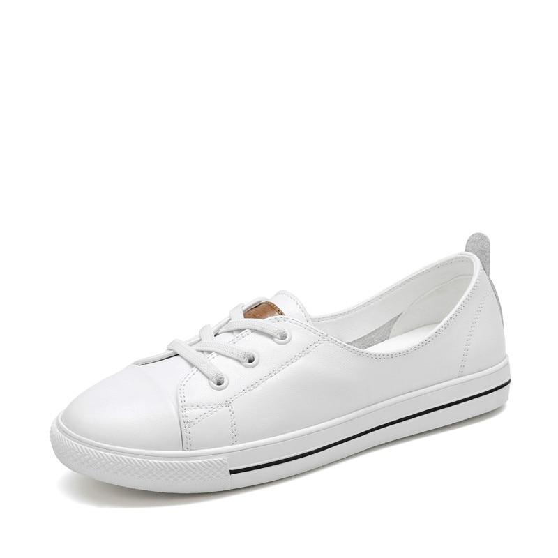 2b1a85b2 White shoes women 2019 spring new leather casual flat Joker Korean students  shallow flat ladies shoes Yasilaiya