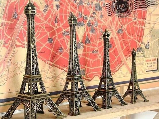 Gift 15cm Vintage The Eiffel Tower model (Iron)  Free shipping