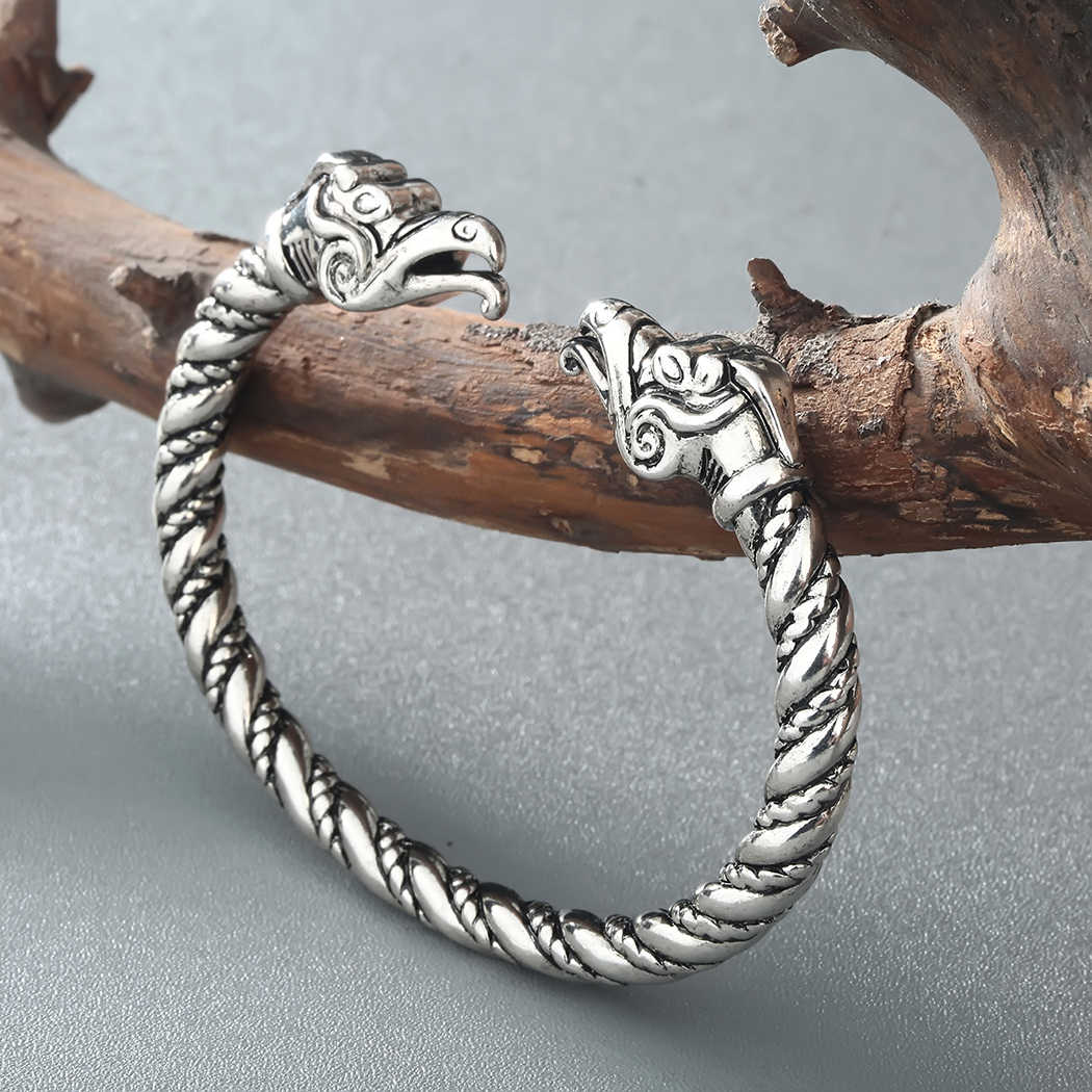 Cxwind Vintage Viking Amulet Cuff สร้อยข้อมือกำไลข้อมือ Punk สัตว์มังกรหัวงูกำไลข้อมือเครื่องประดับสไตล์