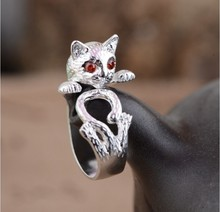 Stunning retro-style silver Thai cat sterling ring