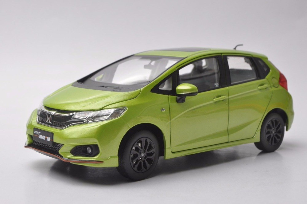 1:18 Honda Fit 2014 Die Cast Model Silver