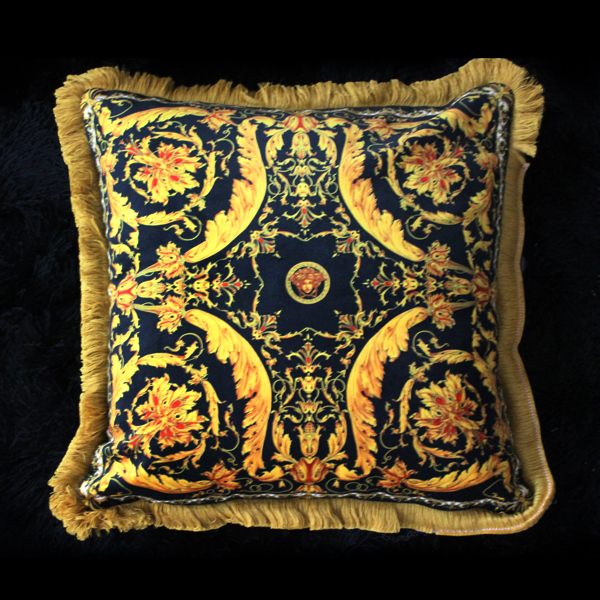 High End Luxury Royal Europe Clic Throw Pillow Case Italy 2017 New Design Yellow Gold Black Medusa Sofa Chair Cushion Cover In From Home