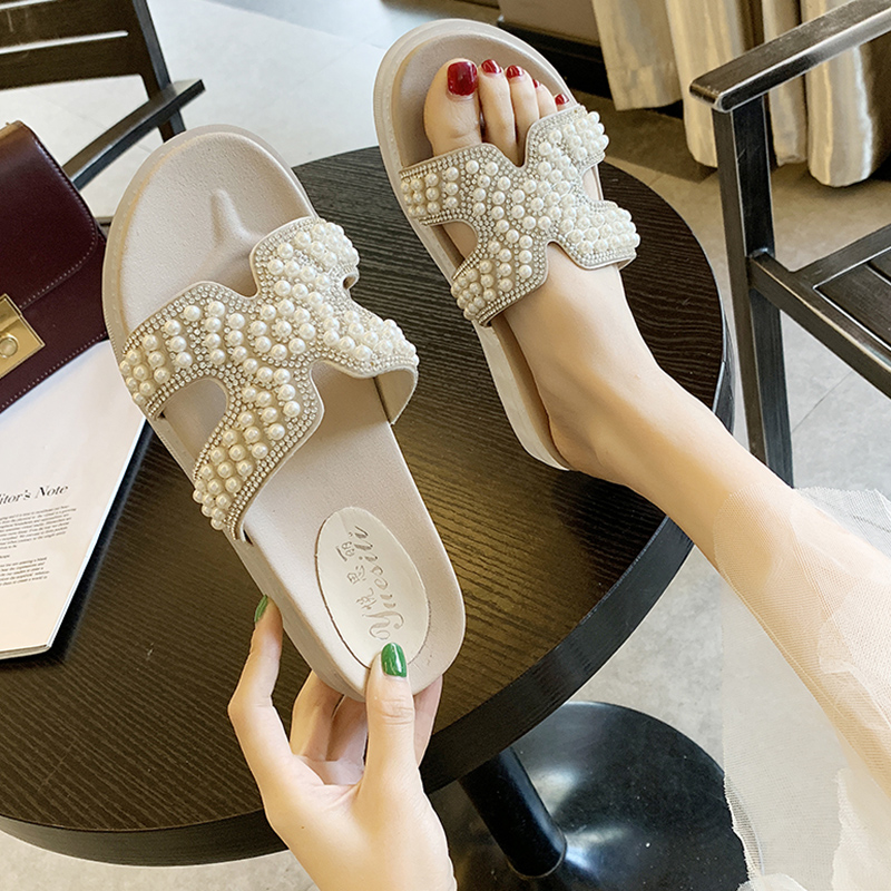 2019 New Beach Slippers Female Summer Fashion Outdoor Non-slip Flat Slides Shiny Rhinestone Beaded Sandals Sapato Feminino
