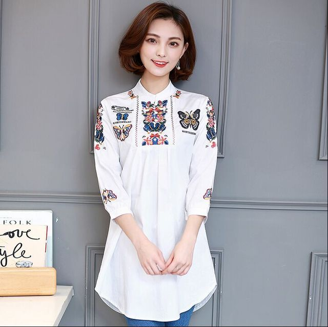 Mono Dog Placement Cotton Embroidered Shirt