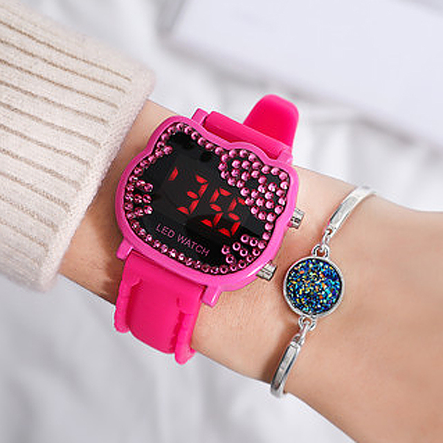2018 New Fashion Cartoon Hello Kitty Watch Kids Watches LED Digital Watches Sili