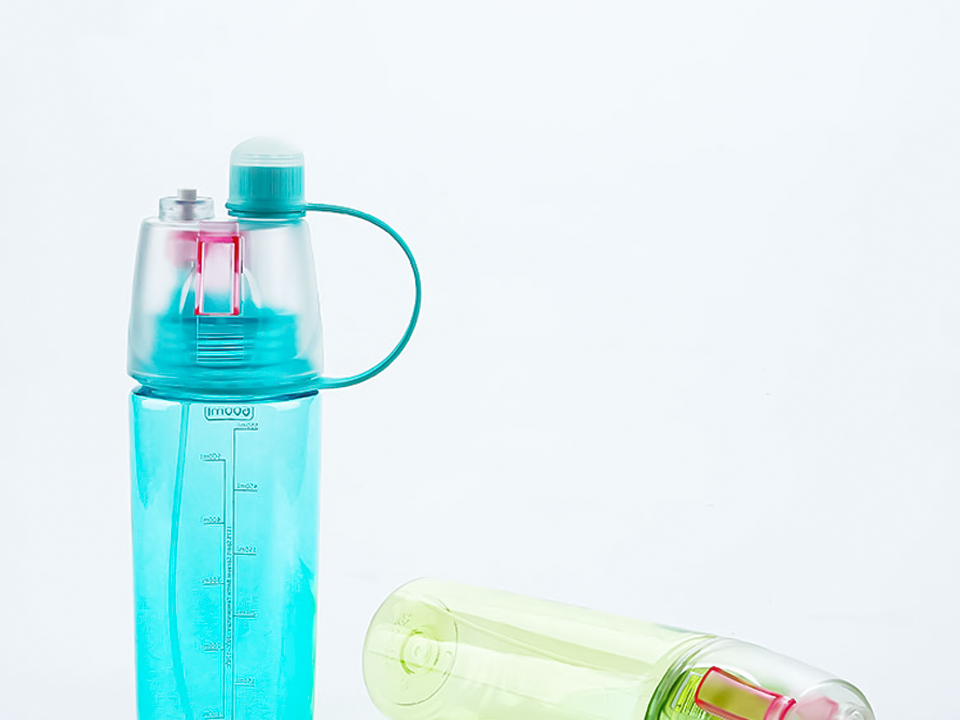 HTB1v5yDXq67gK0jSZFHq6y9jVXaG New 400/600Ml 3 Color Solid Plastic Spray Cool Summer Sport Water Bottle Portable Climbing Outdoor Bike Shaker My Water Bottles
