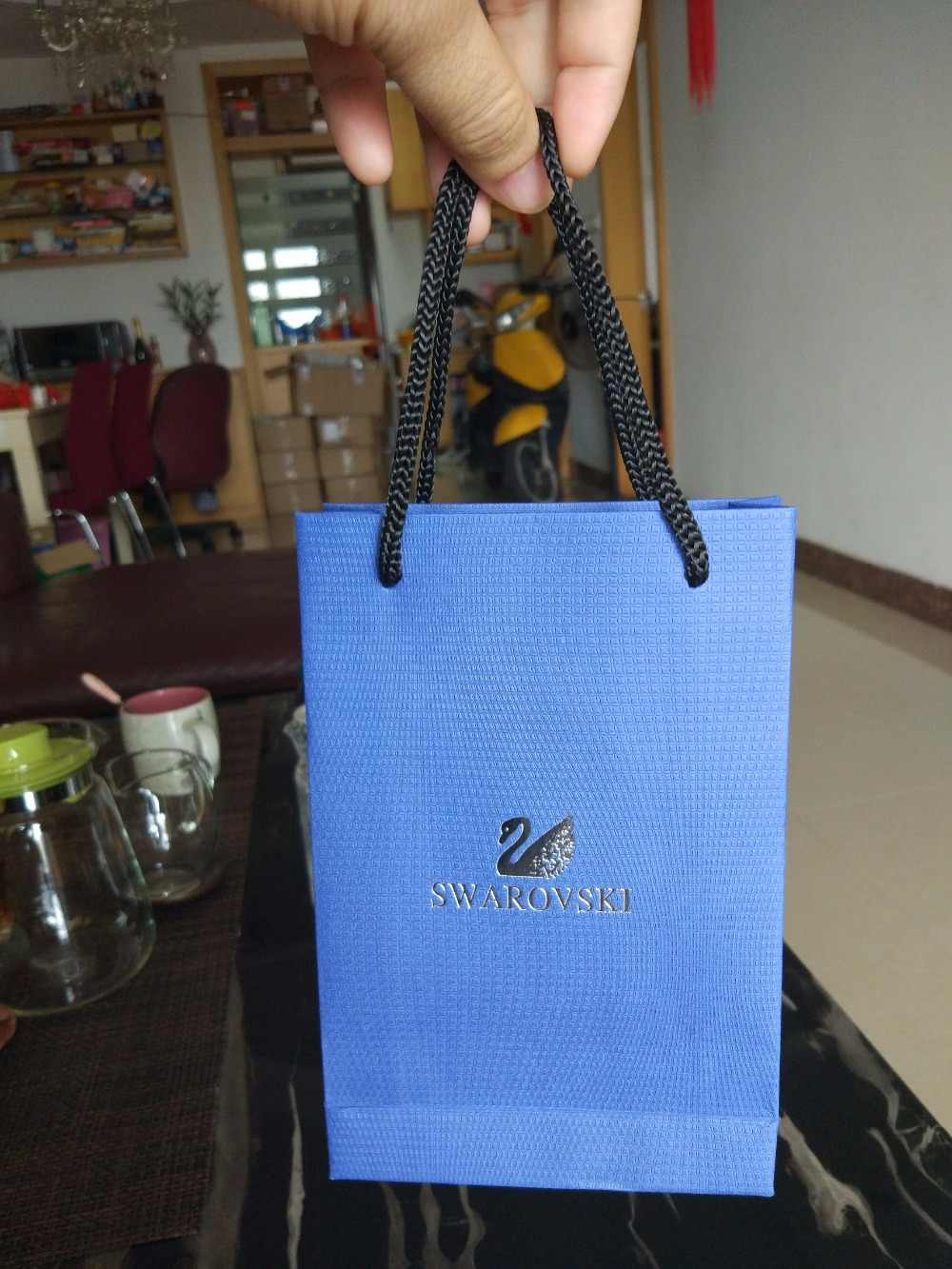 731c9dfa40 ... New Diamond on top Swarovski crystal pen box gift bag velvet pouch ...