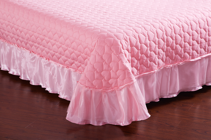 Image 4 - Pink Lace Princess Wedding Luxury Bedding Set King Queen Size Silk Cotton Stain Bed set  Duvet Cover Bedspread Pillowcase-in Bedding Sets from Home & Garden