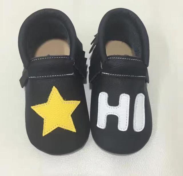 2016 Novos Genuínos de Couro Mocassins Sapatos letras personalizado Sapatos de Bebê Recém-nascido Do Bebê primeiro walker Sapatos Infantis de alta qualidade