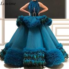 2019 새로운 럭셔리 연예인 드레스 a 라인 깃털 민소매 섹시한 여성 두바이 레드 카펫 가운 새시 계층 기차