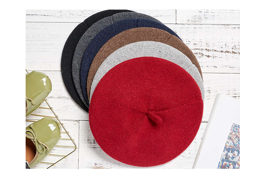 Women Beret Vogue Hat For Winter Female Knitted Warm Wool Hats Girls Cotton Cap 2018 New Brand Autumn Lady Berets Painter Hat (4)