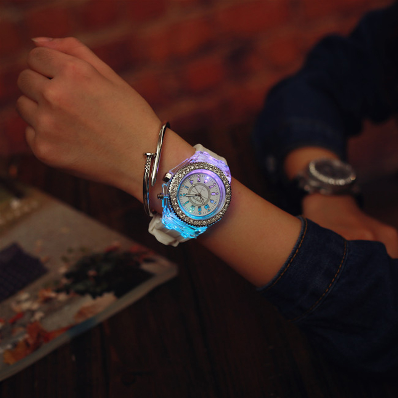 Luminous LED Children Watches Silicone Rubber Quartz Woman Man Wristwatch Glowing in the dark Bracelet Casual Clock for Kids