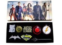 7 unids/set héroes DC la Liga de la justicia Superman pregunto mujer Batman Flash Aquaman modelo de Metal armas collar colgantes juguete