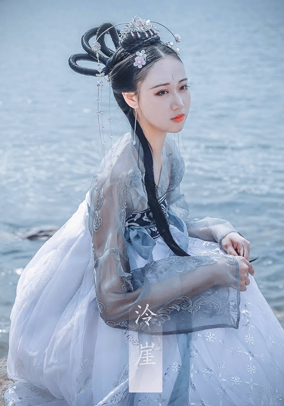 2019 new ancient chinese costume women folk dance costume for woman hanfu women year fan clothing costumes