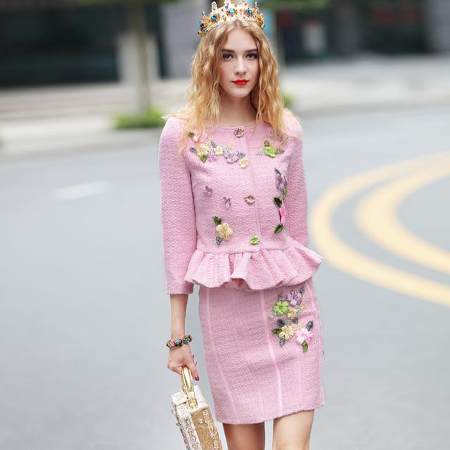 Alta Calidad 2016 de Las Mujeres Elegantes Establece 2 Unidades Otoño Invierno Nueva Runway Suit Set 3D Floral Apliques Chaqueta de Color Rosa + Falda Conjuntos