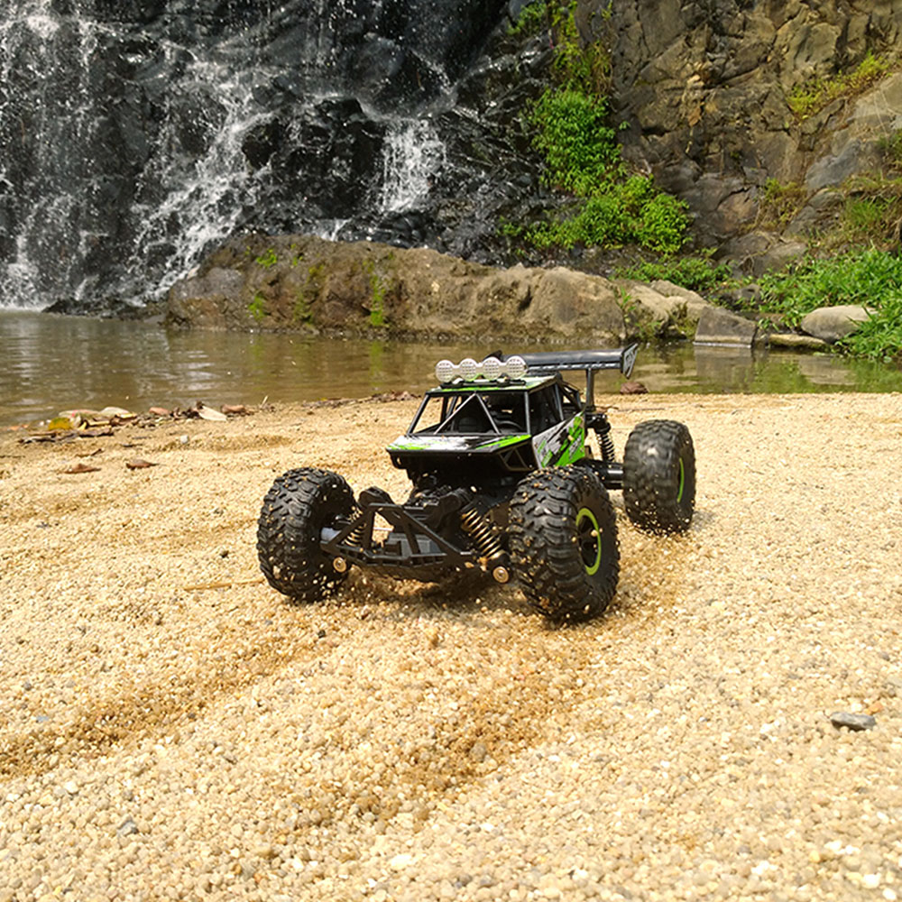 Flytec RC Racing Car SL-156A 1/18 4WD 2.4GHz 16km/h Independent Suspension Spring RC Off Road Car