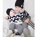 Los bebés Varones Suéteres de Otoño Invierno de Los Niños Ocasionales Del Algodón Prendas de Punto Suéter Jumper Patrón de Onda de la Rebeca de Los Niños Ropa