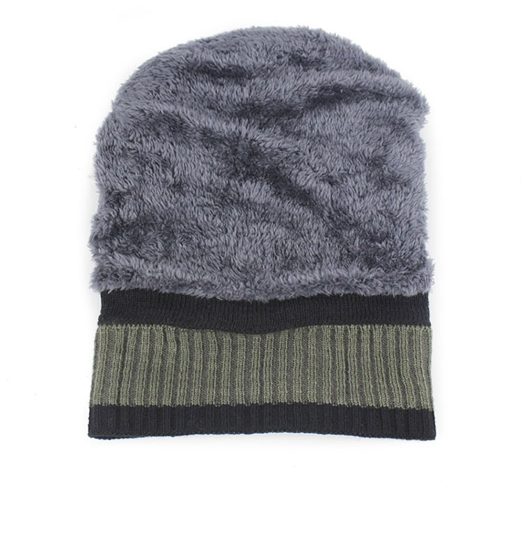 Men s Winter Caps Beanie Camouflage Plus Cashmere Thick Hats for Men  Knitted Army warm Snow hat Beanies Cap with ears 2017 New ea798586510d