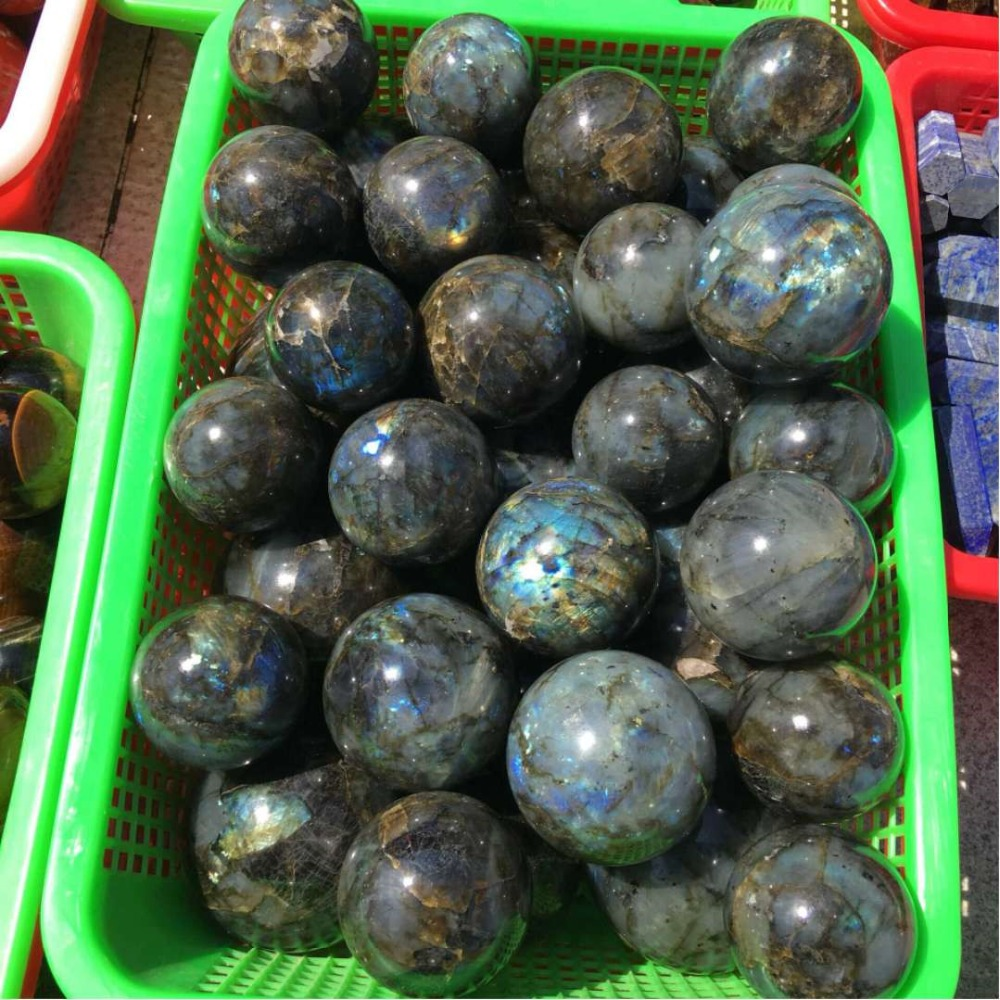 2019 hot 1pcs 40MM 100 Natural Labradorite Quartz Moonlight Crystal Ball Stone Healing Free shipping in Stones from Home Garden