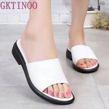 Pantoufles de Femmes d'été 2017 Doux Talon Plat Chaussures Noir Blanc Femme Diapositives Plus La Taille 35-43