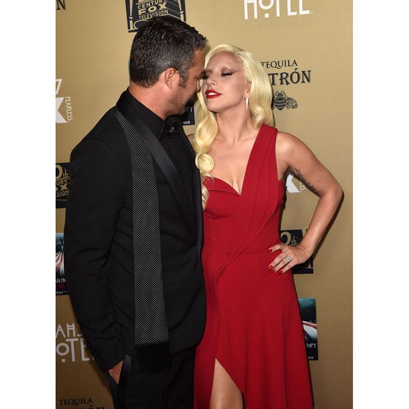 Lady Gaga-In-Brandon-Maxwell-American-Horror-Story-Hotel-LA-Premiere (3)