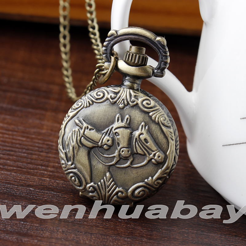 Fashion Bronze Three Horses Quartz Small And Large Size Quartz Pocket Watch Necklace Womens Mens Gifts