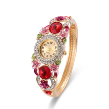 2017 Fashion Vintage Quartz Women Watches red Crystal Women Bracelet Watch luxury red Jewelry watch