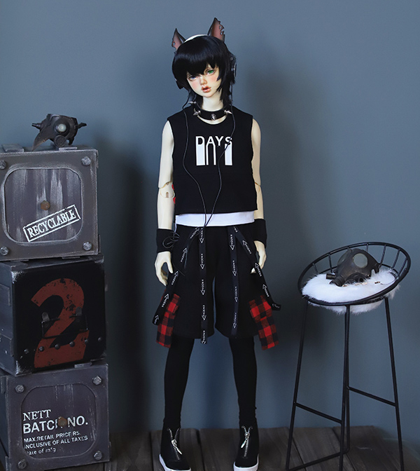 D01-P268children handmade toy 1/3 1/4 uncle Doll Accessories BJD/SD doll Rock and roll fake two-piece printed vest with trousersD01-P268children handmade toy 1/3 1/4 uncle Doll Accessories BJD/SD doll Rock and roll fake two-piece printed vest with trousers