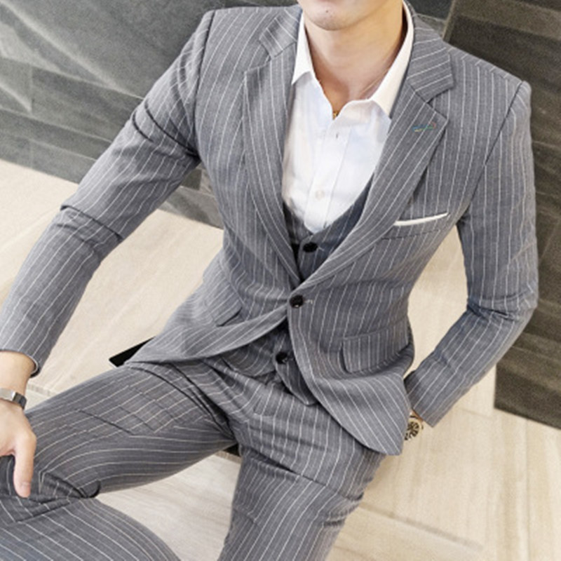 Здесь продается  2017 spring new suits suit male Korean version of the frilly striped suit three sets of groom comrades dress jacket+vest+pants  Одежда и аксессуары