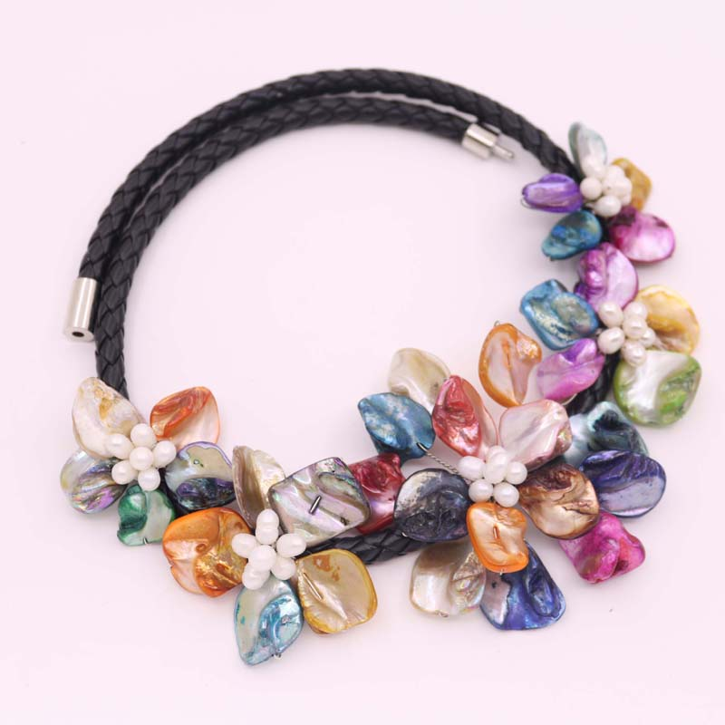"Купить с кэшбэком Beauty Multi-Color Shell Necklace 17.5"" Flower Mother of Pearl Charm 45-70mm  Choose"