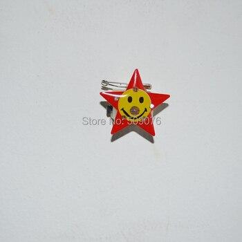 Free shipping 200pcs/lot Smile Satr LED Flashing Badge Brooch Light Up Pins Kids Party Gifts